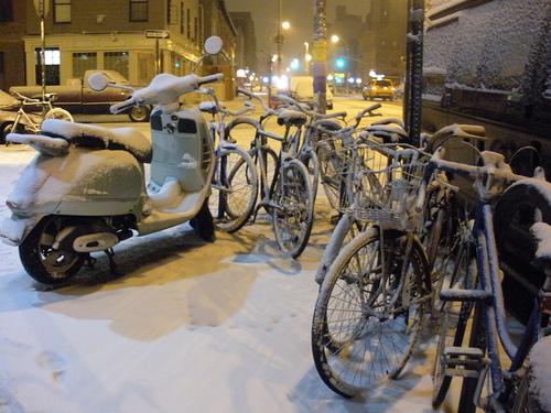 vespa-snow.jpg